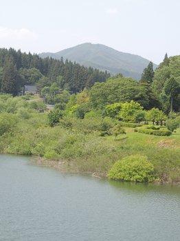 ①花山湖から見た御駒山(522m)DSCN1354.JPG